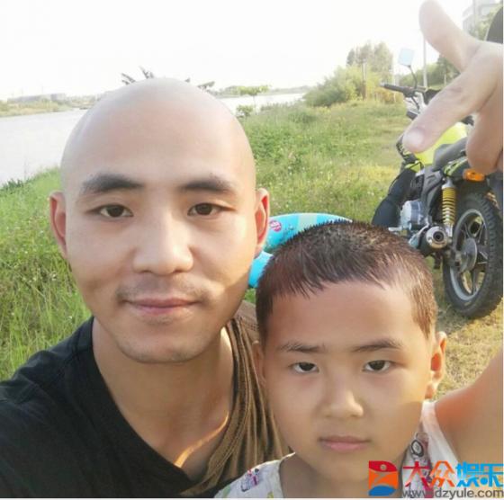 王智成,王梓涵父子情深,王梓涵喜欢的小狗生崽被网友