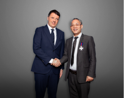 意大利总理马泰奥.伦齐接见XDR亚太区总代理Sean.SHENG并进行深入的交谈